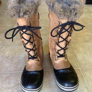 Sorel women's Tofino boot, size 8
